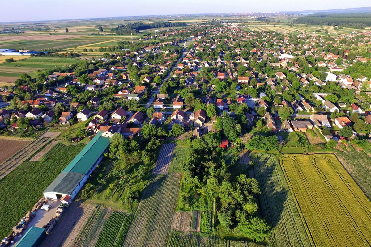 Begeč - selo koje su proslavili Vujke, Braša, Nana i šargarepa...